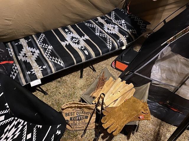 【冬キャンプ】コットとマット